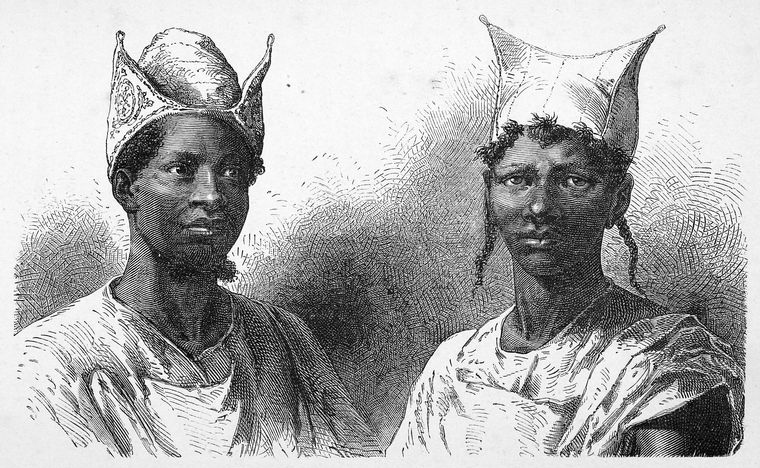 Illustration of two Bambara people wearing traditional garments