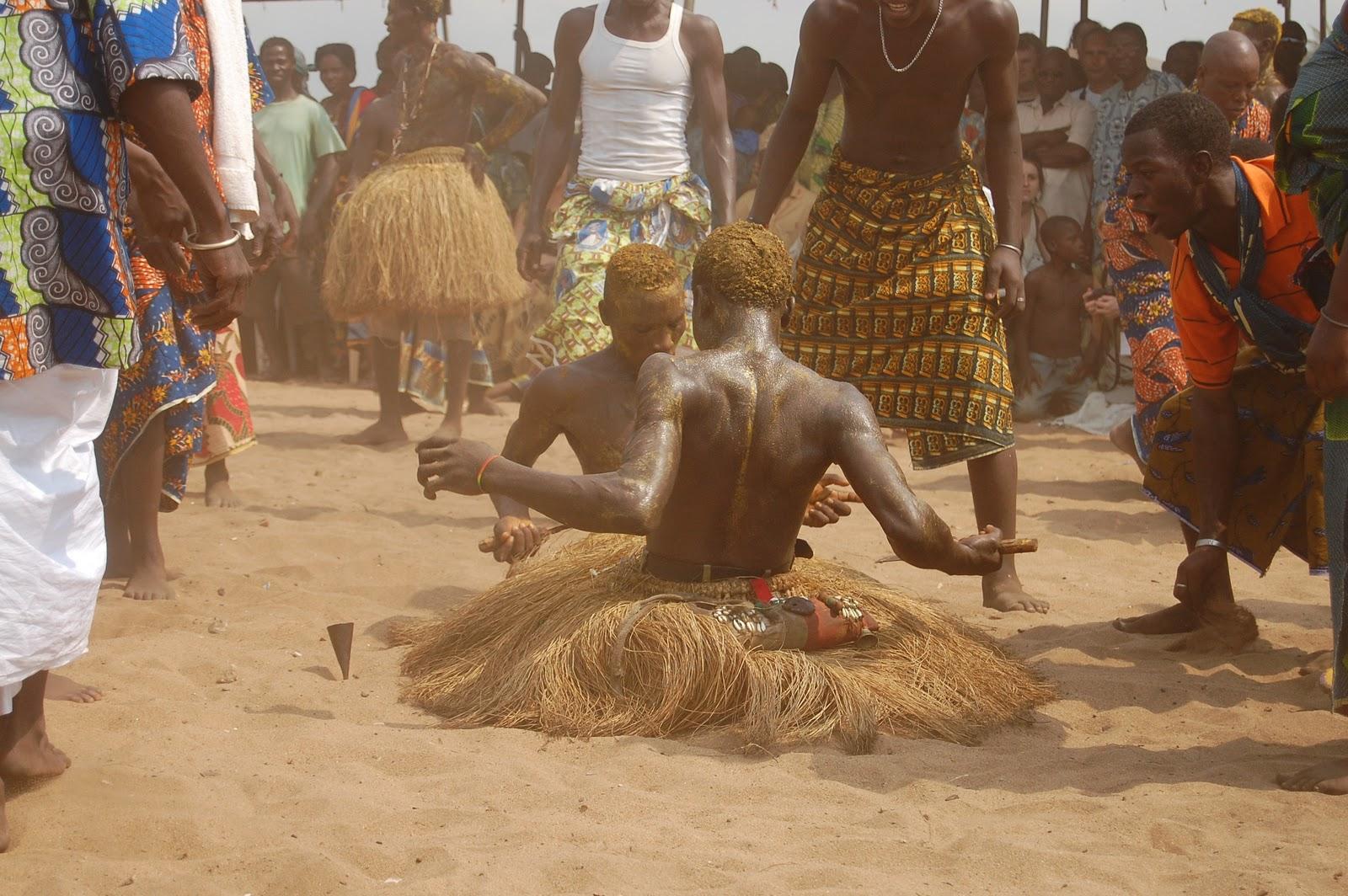 Festival du culte vaudou des jumeaux, à Ouidah, au Bénin