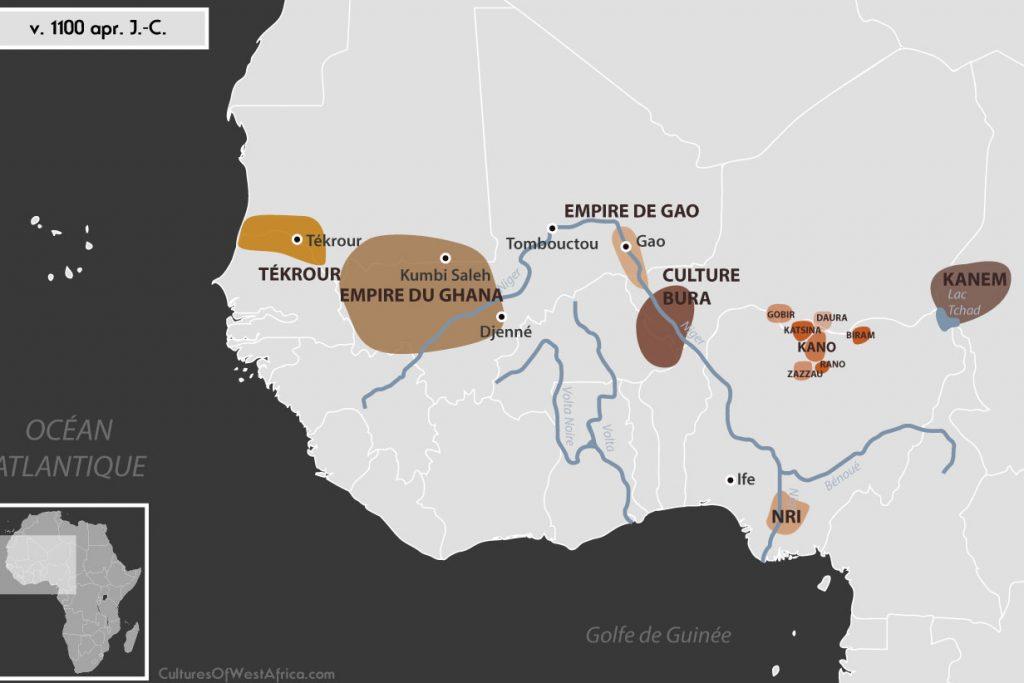 Carte de l'Afrique de l'Ouest vers 1100 apr. J.-C., qui montre la culture de Bura, l'empire de Gao, l'empire du Ghana, le royaume de Tékrour, l'empire de Kanem, les Royaumes Haoussas (Kano, Rano, Gobir, Katsina, Daura, Biram et Zazzau), et le royaume de Nri.