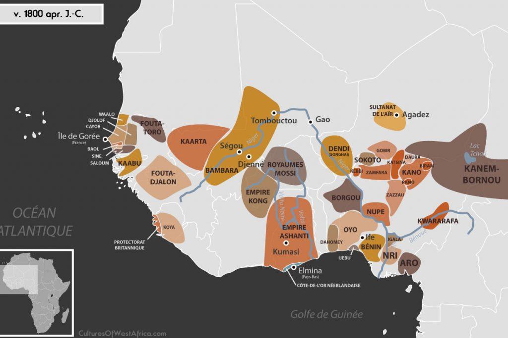Carte de l'Afrique de l'Ouest vers 1800 apr. J.-C., qui montre l'imamat du Fouta-Djalon, les royaumes bambaras de Ségou et Kaarta, l'imamat du Fouta-Toro, les royaumes de Waalo, Djolof, Cayor, Baol, Sine, Saloum et Kaabu, le royaume de Koya, le Protectorat britannique, le royaume songhaï de Dendi, le sultanat de l'Aïr, les royaumes Mossis, l'empire Kong, l'empire de Kanem-Borno, les Royaumes Haoussas (Kano, Rano, Gobir, Katsina, Daura, Biram, Zazzau, Zamfara, Kebbi, Nupe, Kwararafa ou Jukun), l'empire Sokoto, les royaumes du Bénin, d'Oyo, d'Igala, d'Ijebu, de Nri et du Borgou, la Confédération d'Aro, le royaume de Dahomey, la Côte-de-l'Or Néerlandaise et l'empire Ashanti.